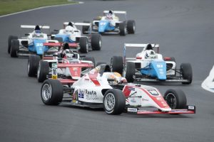 Formula Academy Finland tekee tulevaisuuden rata-autoilutähtiä.